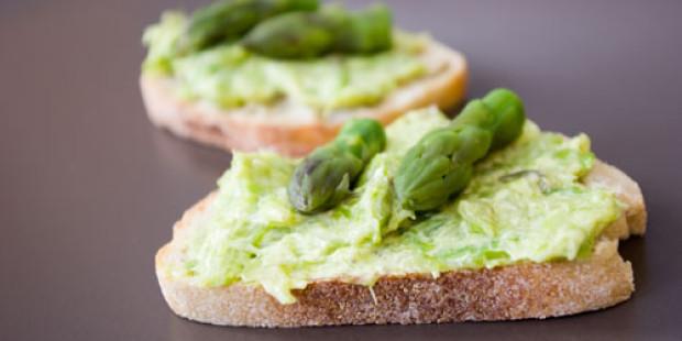 Nog Meer Aperitiefhapjes: Crostini met Groene Asperges