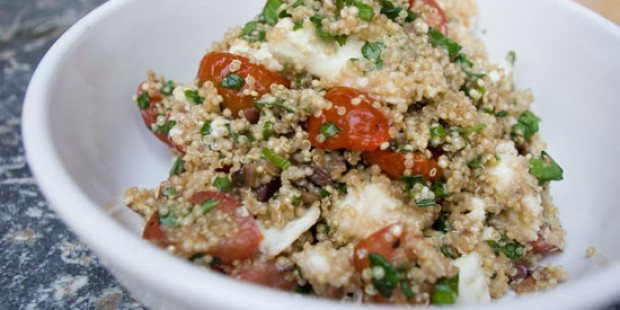 Quinoa met Kerstomaten, Kruiden en Mozzarella