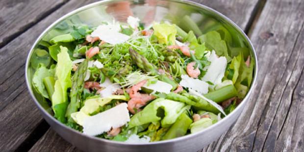 Salade met Groene Asperges en Grijze Garnalen