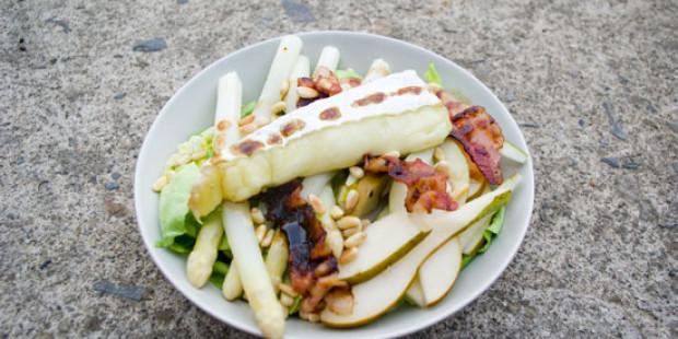 Salade met Witte Asperges, Peer en Brie